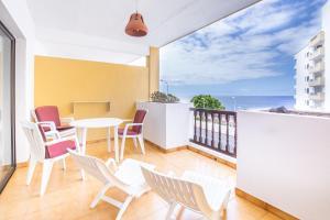 A balcony or terrace at Apartamentos Albatros