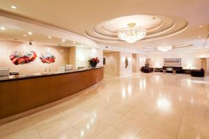 The lobby or reception area at Hotel Resol Gifu