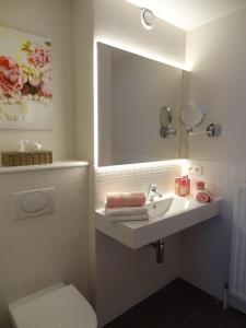 A bathroom at Ara Dune Hotel