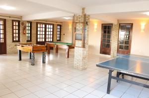 Ping-pong facilities at Fazenda Hotel Pedra dos Ventos or nearby