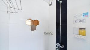 A bathroom at River City Inn