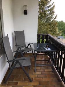 Ein Balkon oder eine Terrasse in der Unterkunft Gasthaus Pension Zur Buche