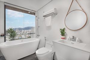 Phòng tắm tại White Sand Hotel & Apartment