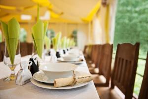 Restauracja lub miejsce do jedzenia w obiekcie Ślężański Młyn