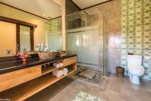 A bathroom at Bliss Ubud Abangan