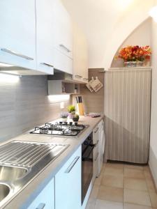 Cucina o angolo cottura di Casa Baia del Quercetano
