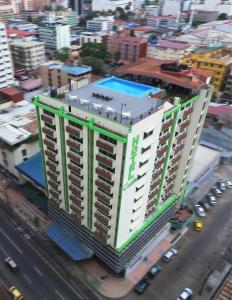 A bird's-eye view of Hotel Caribe Panamá
