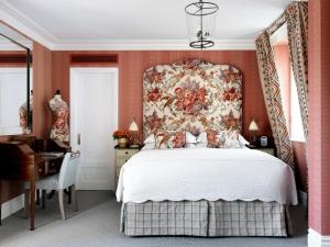 A bed or beds in a room at Covent Garden Hotel, Firmdale Hotels