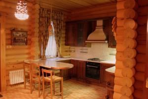 Кухня или мини-кухня в Усадьба Раздолье
