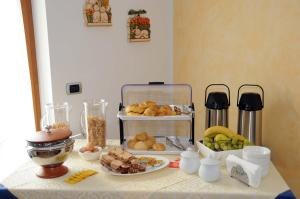Breakfast options available to guests at Agritur alla Veduta