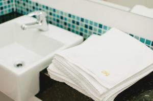A bathroom at Hotel Aladdin