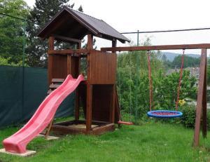 Herní místnost nebo prostor pro děti v ubytování Apartmány Okoun