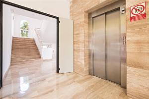 A bathroom at azuLine Hotel - Apartamento Rosamar