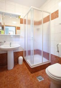 A bathroom at Apartments Villa Concept