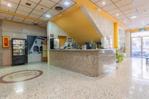 El vestíbulo o zona de recepción de Hotel Monreal Jumilla