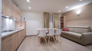 Kuchyň nebo kuchyňský kout v ubytování Chalet Tea Da Bondi