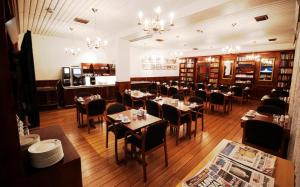 A restaurant or other place to eat at Best Western Havly Hotell