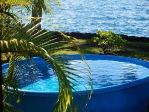 A piscina localizada em A Pueu Village ou nos arredores