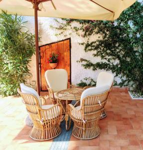 A seating area at Relais Casa Moresca