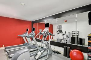 The fitness center and/or fitness facilities at Homewood Suites by Hilton Houston West-Energy Corridor