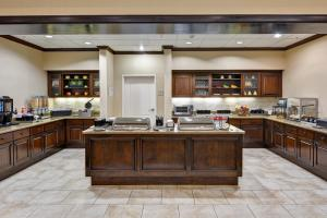 A restaurant or other place to eat at Homewood Suites by Hilton Houston West-Energy Corridor