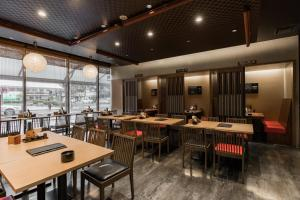 A restaurant or other place to eat at JR Kyushu Hotel Kagoshima