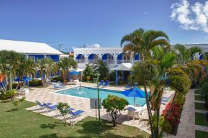 The swimming pool at or close to Bay Gardens Inn