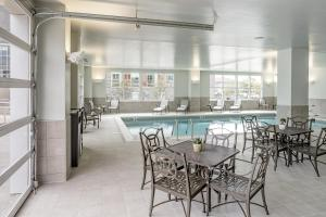 The swimming pool at or close to Hotel Madison & Shenandoah Conference Ctr.