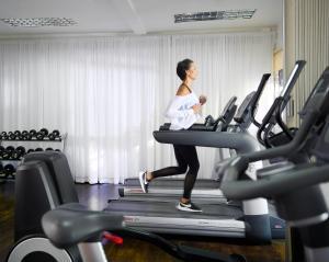 Das Fitnesscenter und/oder die Fitnesseinrichtungen in der Unterkunft Spanish Court Hotel