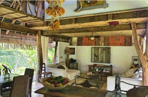 O lounge ou bar de Island Home