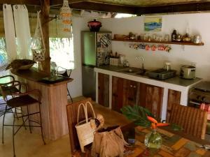 A cozinha ou cozinha compacta de Island Home