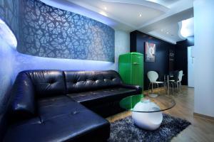 A seating area at Apartments Belgrade