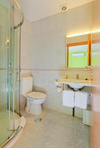 A bathroom at Hotel D. Dinis