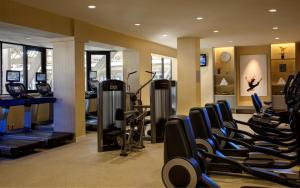 The fitness center and/or fitness facilities at Dallas Marriott Downtown