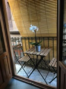 A balcony or terrace at Hotel Secrets Priorat