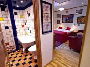 A bathroom at Hotell Havanna