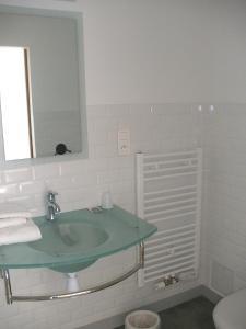 A bathroom at La Jumelière