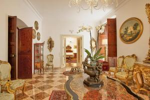 El vestíbulo o zona de recepción de Casa Delmonte - Turismo de Interior