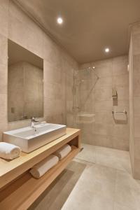 Een badkamer bij Van der Valk Theaterhotel Almelo