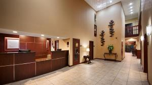 The lobby or reception area at Best Western Plus Anderson