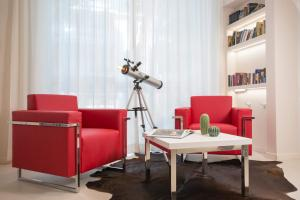A seating area at Hotel Calypso- Rimini Marina Centro