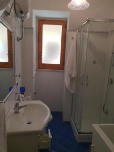 A bathroom at Lifra1