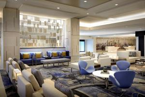 The lounge or bar area at Los Angeles Airport Marriott