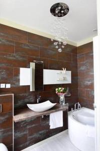 A bathroom at La Clé d'Opale