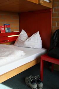 Ein Bett oder Betten in einem Zimmer der Unterkunft Jugendherberge Berlin - Am Wannsee