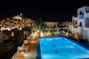 The swimming pool at or near Avanti