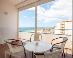 A balcony or terrace at Vistamar Apartments