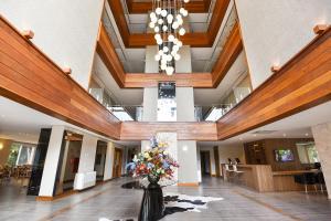 The lobby or reception area at Hotel Refugio da Montanha