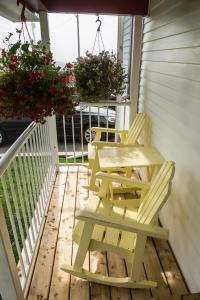 A balcony or terrace at Mama`s By The Sea B&B