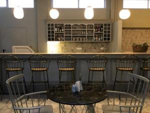 Ο χώρος του lounge ή του μπαρ στο Ξενοδοχείο Φουρτούνης